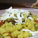 Fusilli Bucati con Zucchine, Peperoni e Ricotta Salata